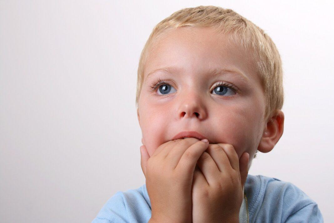 Ребёнок грызёт ногти – отучаем